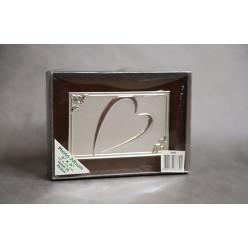 Фотоальбом деревянный с сердцем для фото 10*15 см