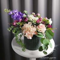 Композиция из искусственных цветов №69
