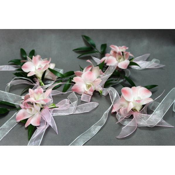 """Браслет из орхидей для невесты на руку """"Нежность"""""""